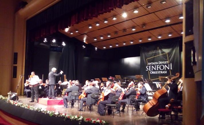 Concert - ziua de comemorare a lui Atatürk (19 mai)